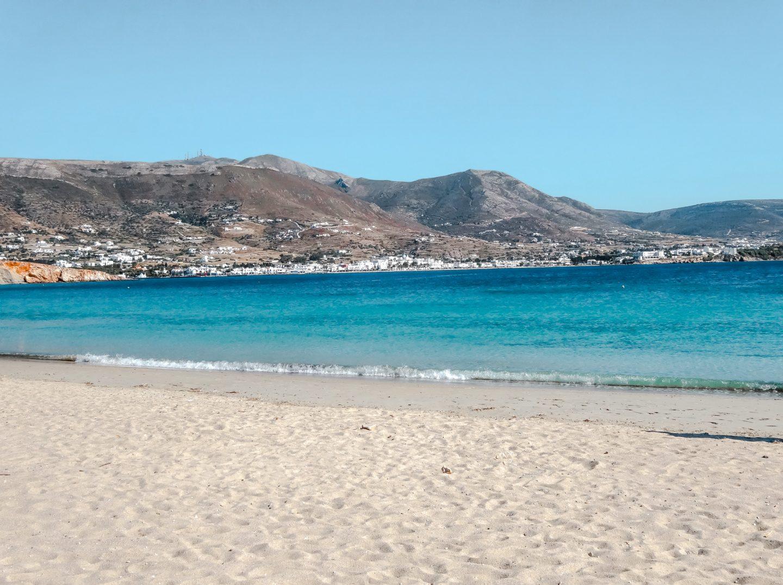 Marcello Beach - langer Sandstrand gegenüber Parikia