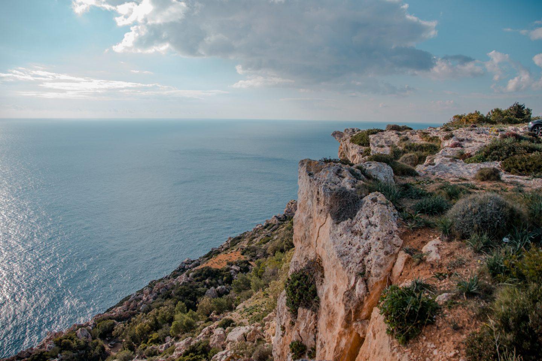 Unterwegs auf Malta muss man immer wieder anhalten um die Landschaft zu genießen und den Blick aufs Meer