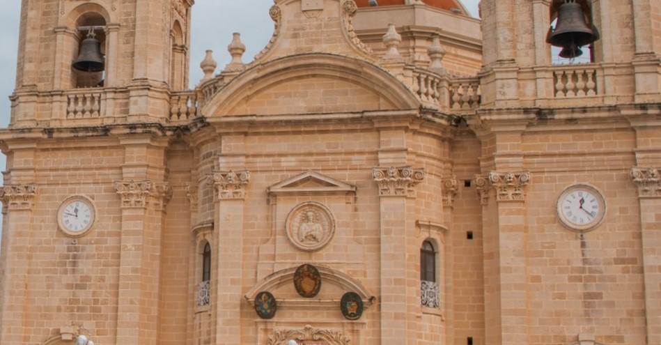 Xaghra Church - verschiedene Uhrzeiten