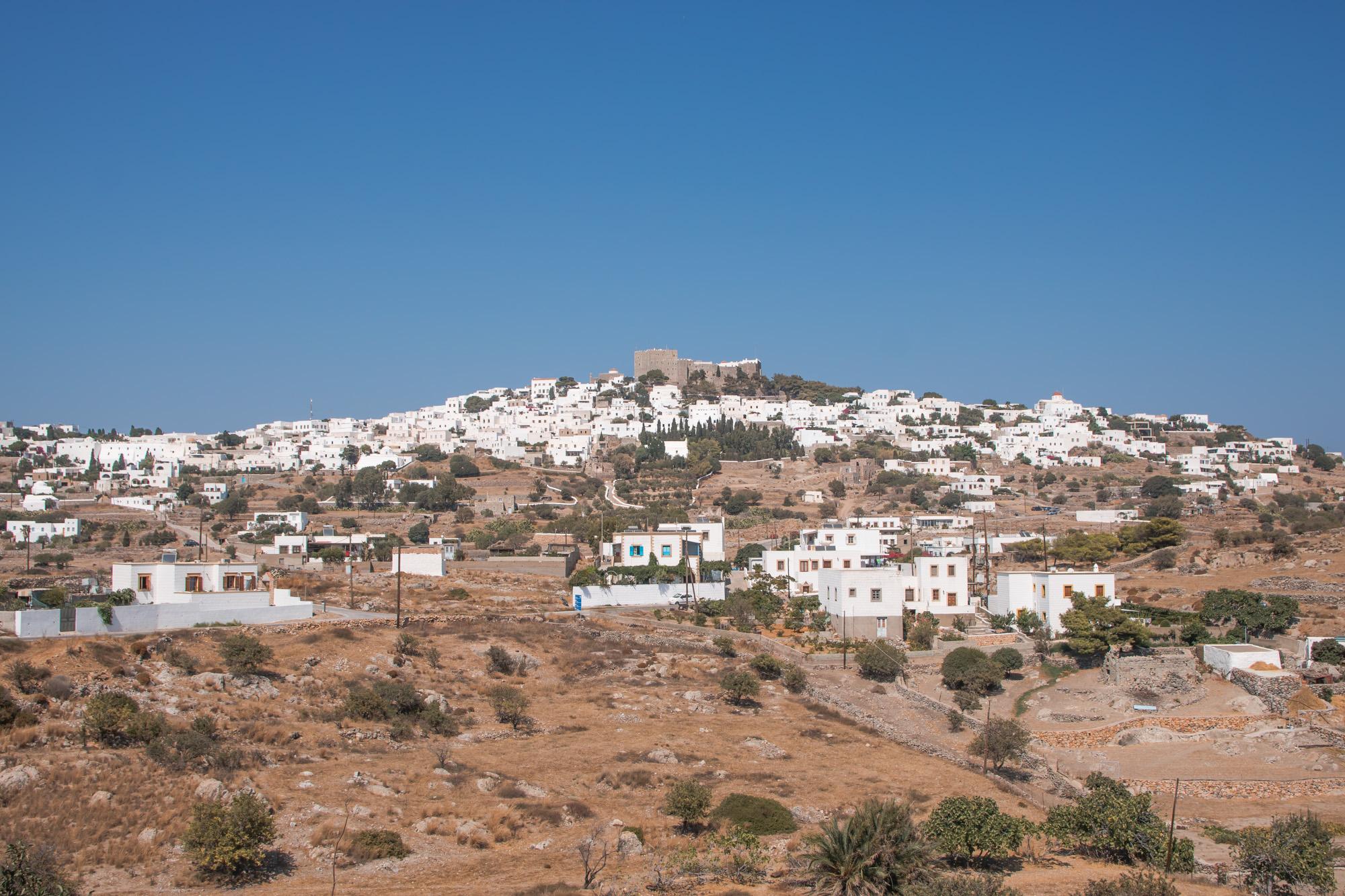 Patmos Chora mit Johanneskloster, von fast jedem Strand der Insel ist das sichtbar
