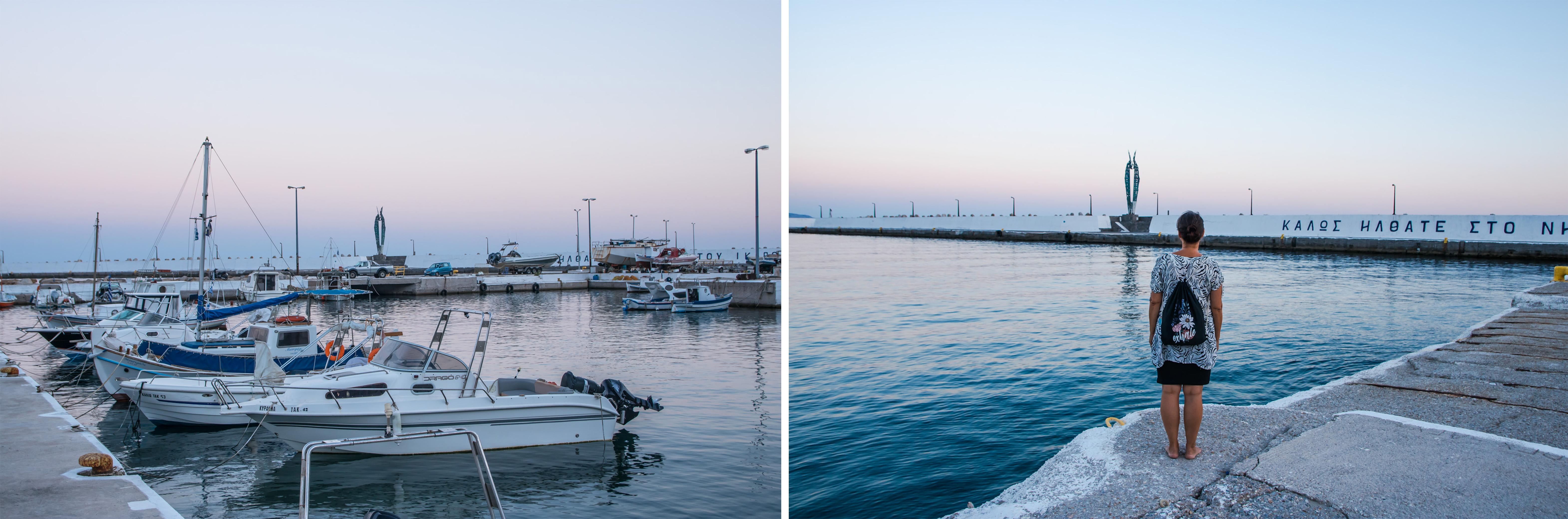 Hafen von Ikaria mit Ikarusflügeln und Booten