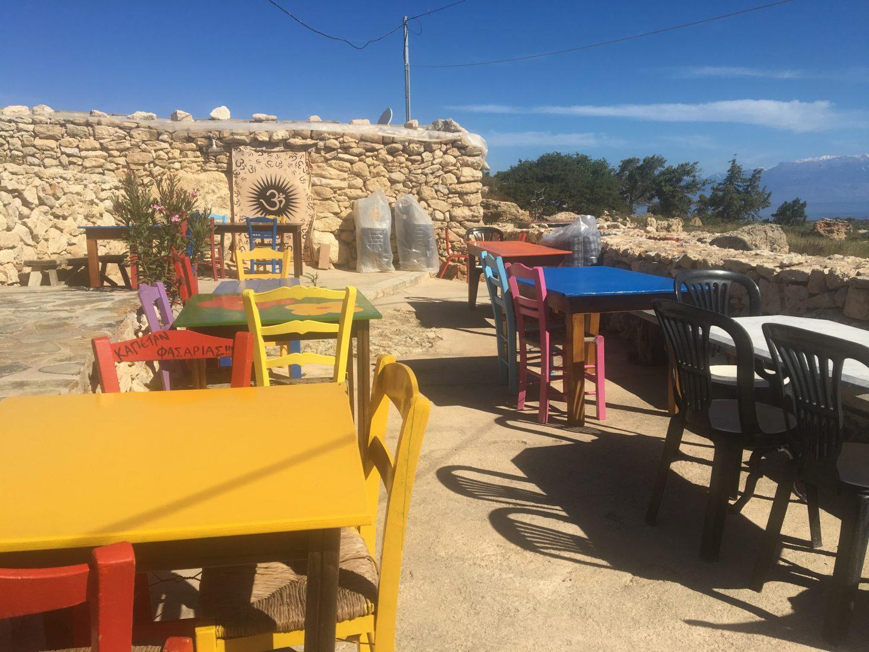 Insel Gavdos, Kastri, Taverne To Stekis Gogos - Aussenbereich